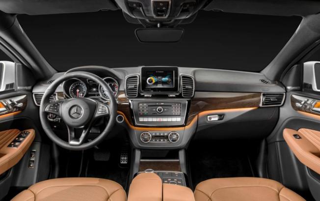 2020 Mercedes GLT Interior