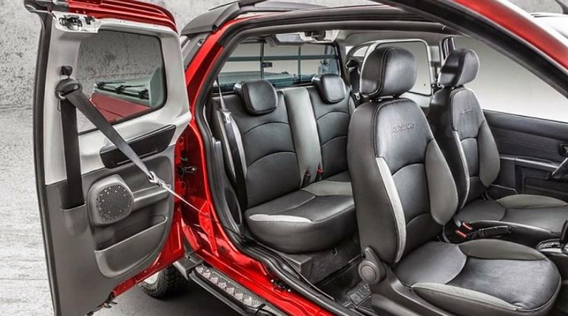 2019 Fiat Strada Interior