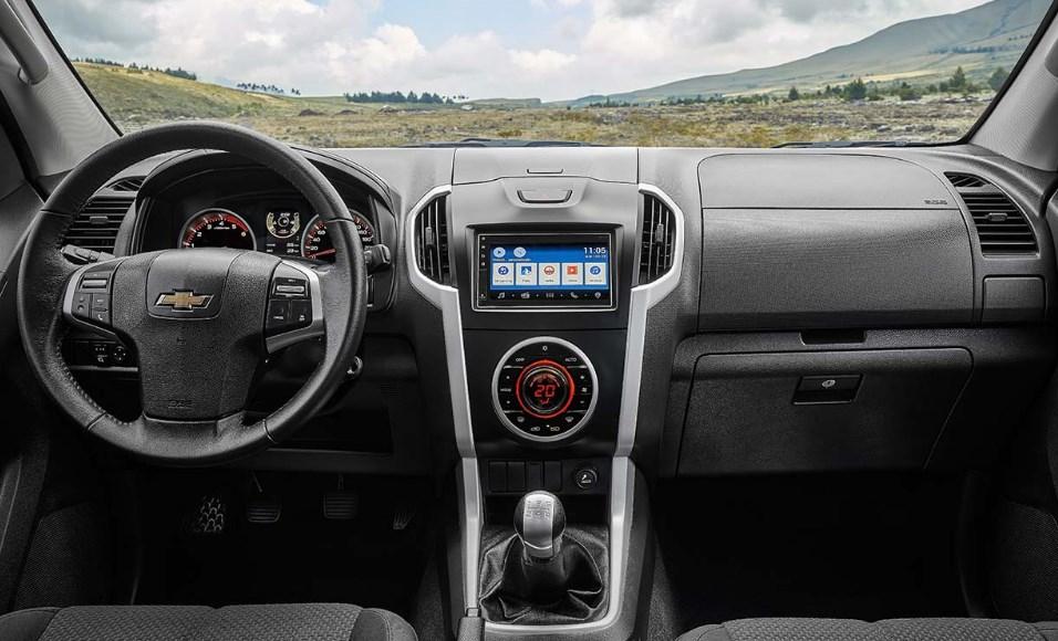 2020 Chevrolet D-Max Interior