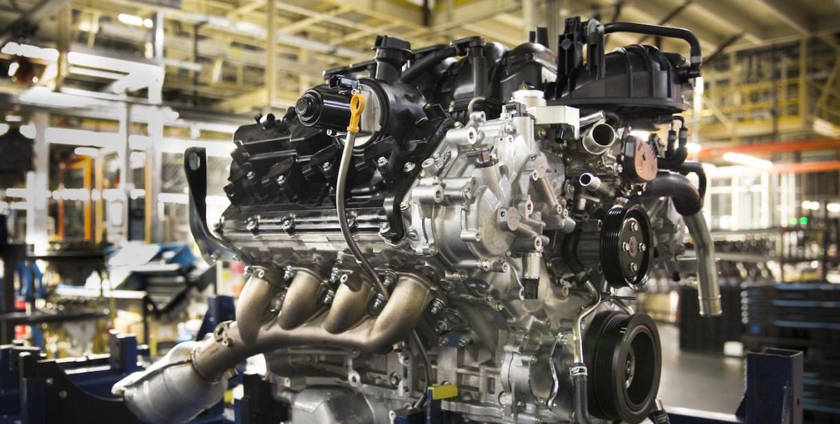 2021 Nissan Titan Warrior Engine