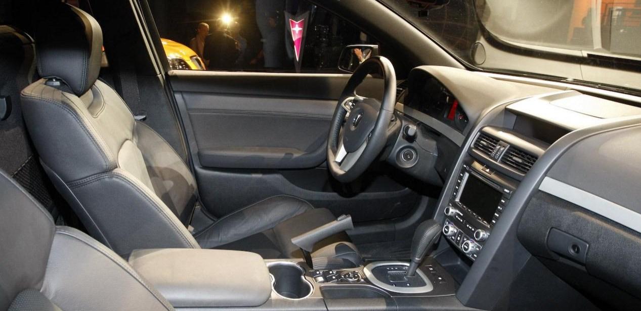 2021 Pontiac G8 Sport Truck Interior