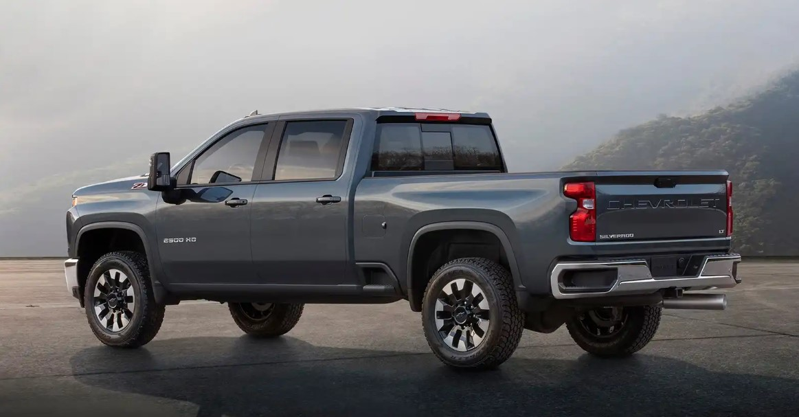 2020 Chevy Silverado HD Engine