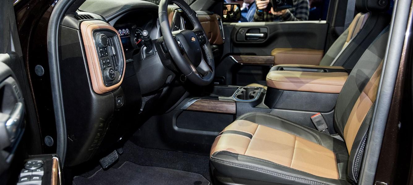 2021 Chevy Silverado 5500 Interior