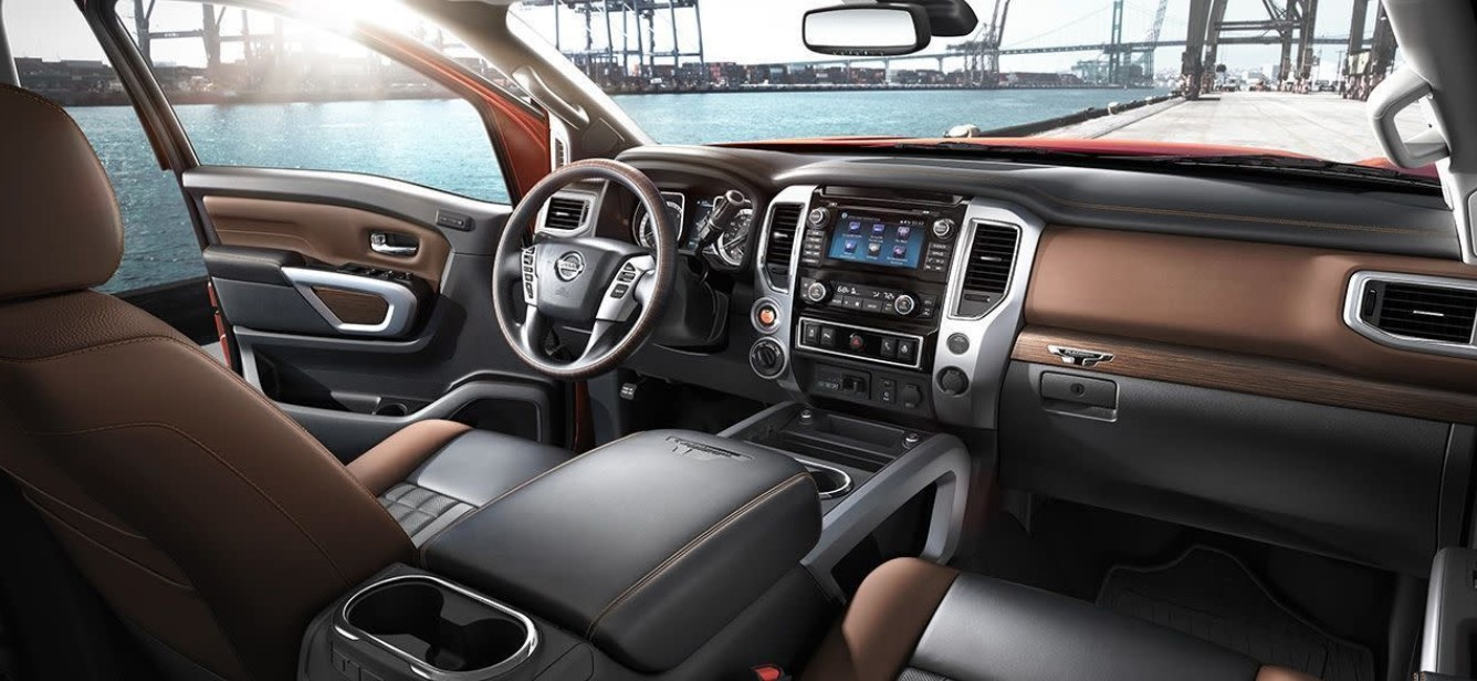2021 Nissan Titan King Cab Interior