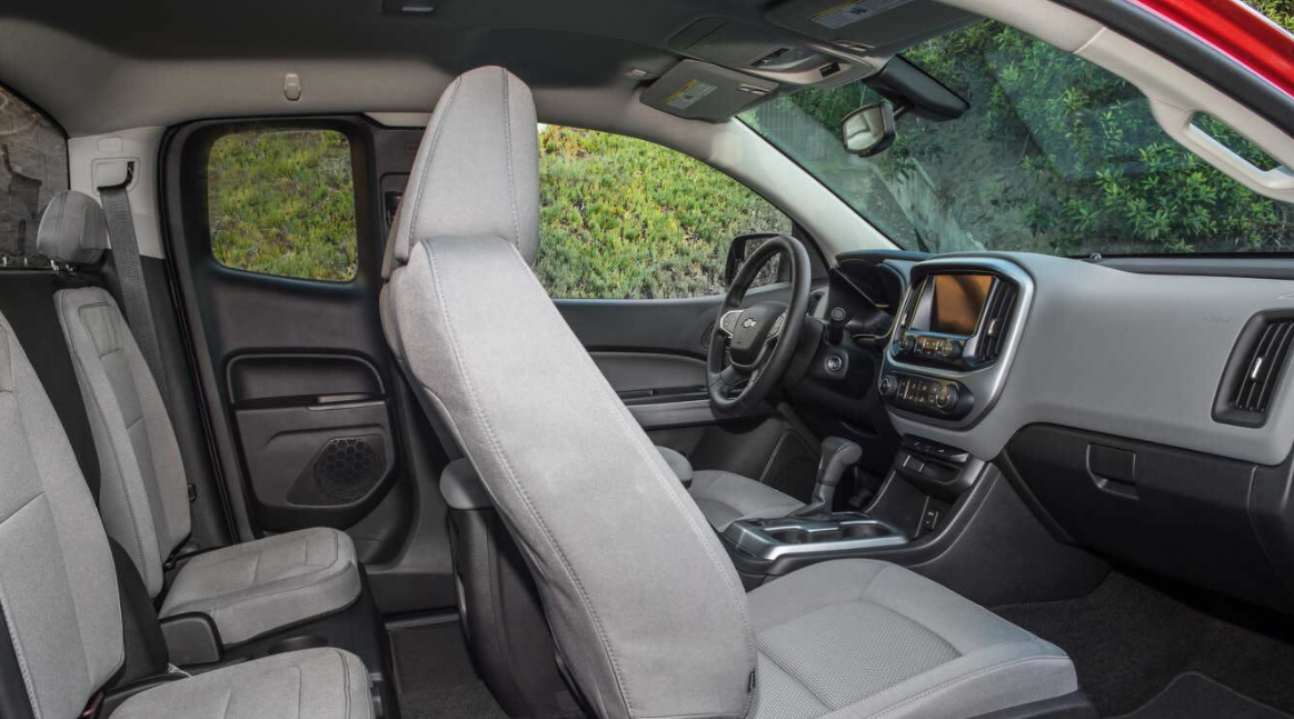 2023 Chevrolet Colorado Interior
