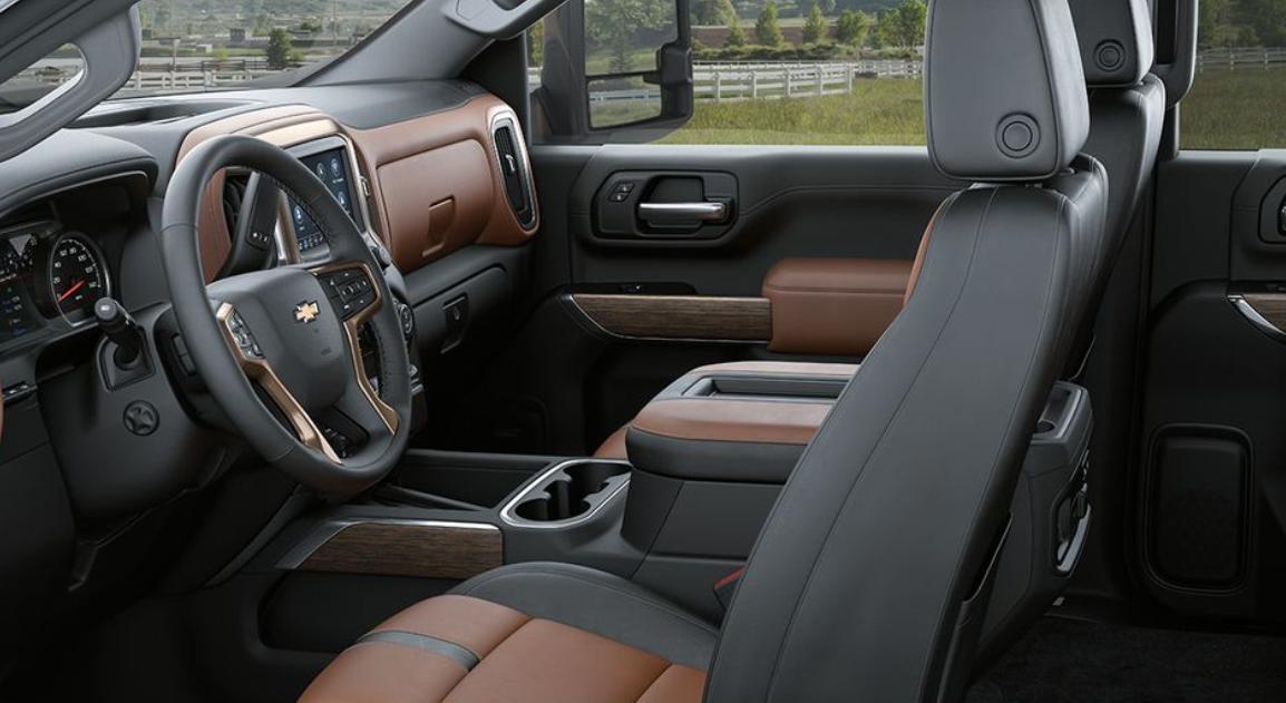 2023 Chevy Avalanche Interior