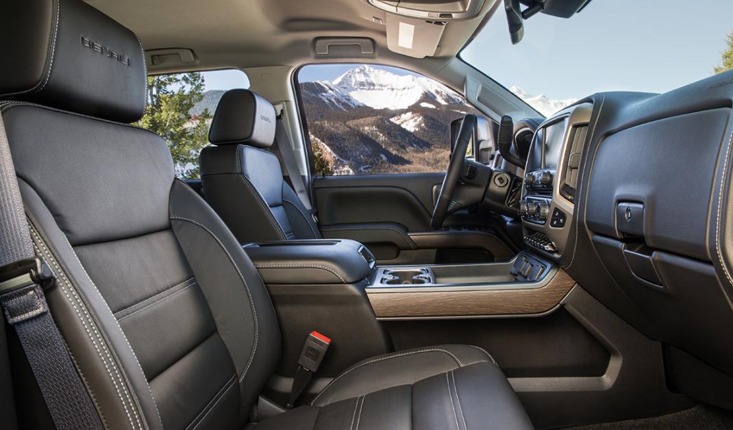 2023 GMC Sierra 2500 Interior