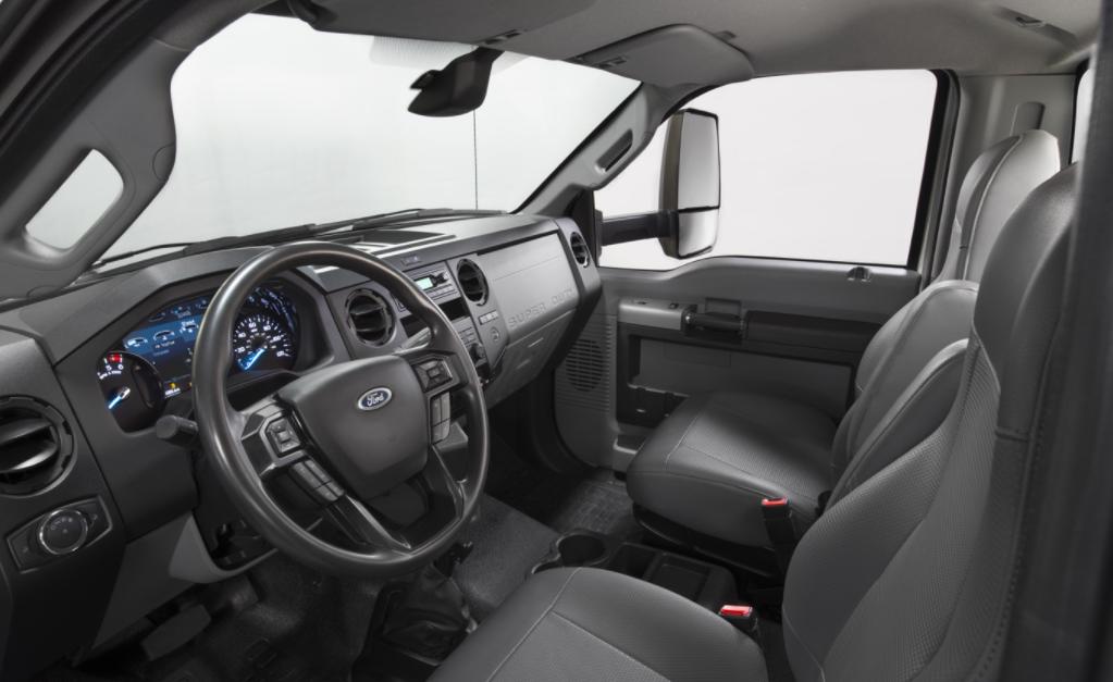 2022 Ford F-750 Interior