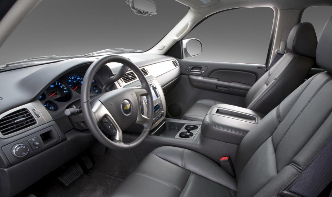 2023 Chevrolet Avalanche Interior