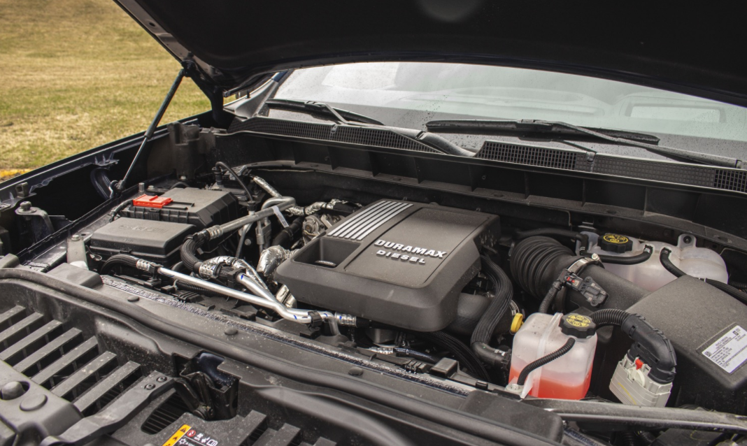 2022 Chevrolet Silverado 2500 HD Engine