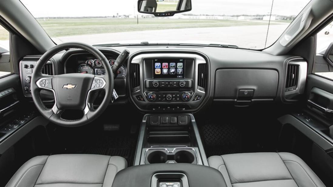 2022 Chevrolet Avalanche Interior