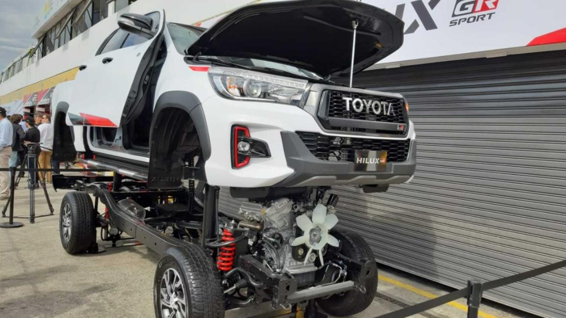 2023 Toyota Hilux GR Sport Engine