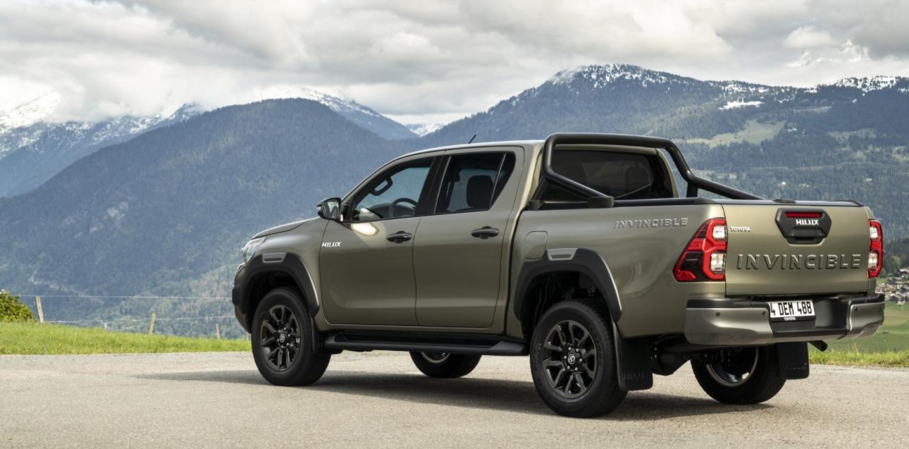New 2023 Toyota Hilux Engine