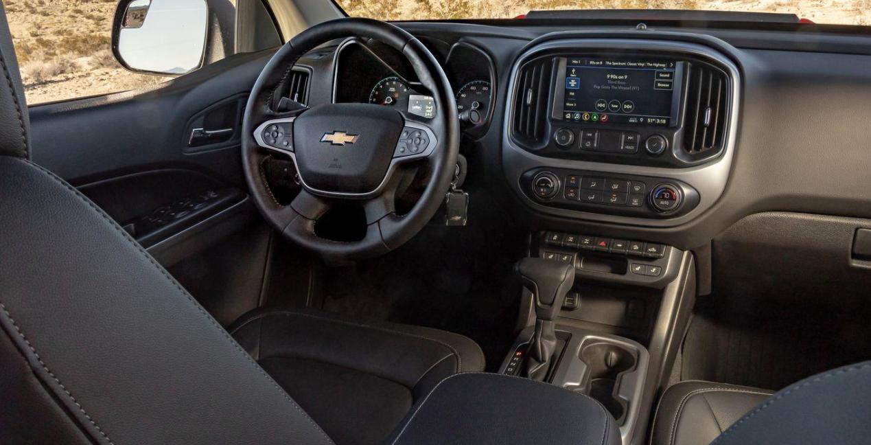 2023 Chevy Colorado ZR2 Bison Interior